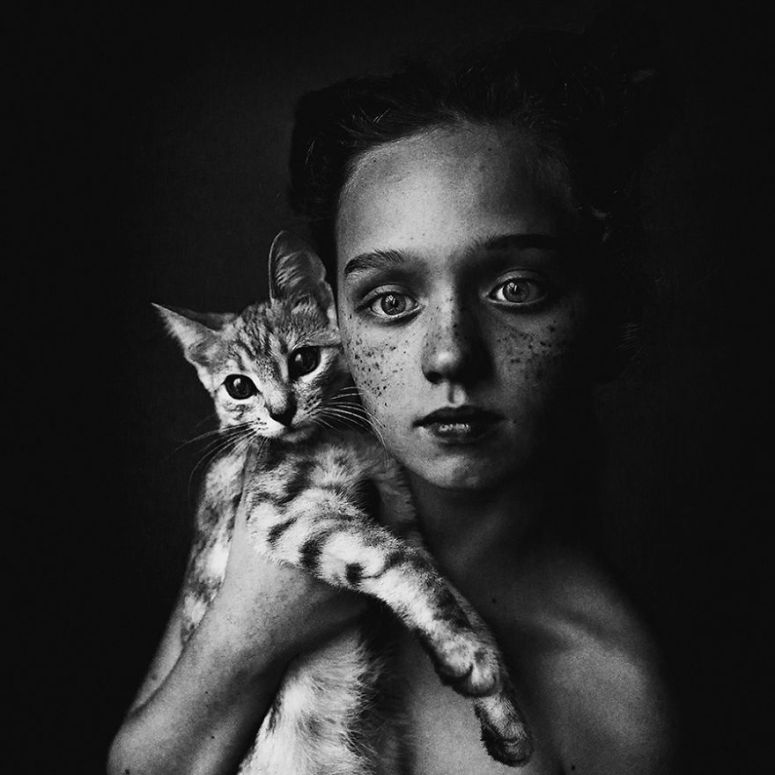 photographers-from-all-over-the-world-capture-amazing-photos-of-children-and-animals-4__880
